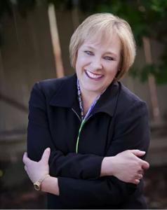 author Courtney Pierce