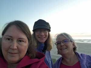 picture of maggie lynch, jessa slade, and paty jager at Rockaway Beach